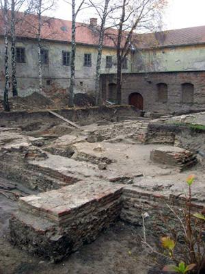 A 12. századból származó román stílusú templom maradványai